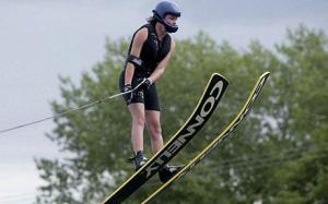 Charlotte Wharton Breaks Water-Skiing World Record
